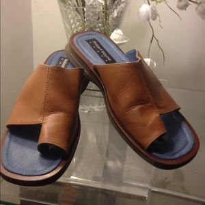 Robert Wayne sandals sz11